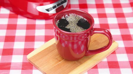 кружка : Red Coffee Cup with Fresh Brewed Coffee Стоковые видеозаписи