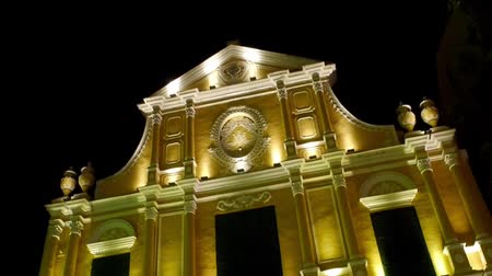 культурный : Two shot for night of St Dominic Church in Macau, China Стоковые видеозаписи