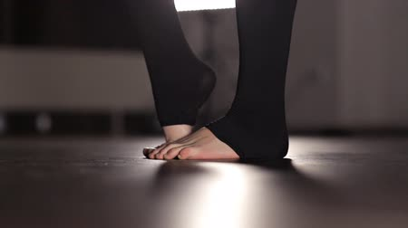 페디큐어 : Feet of a young girl dancer, closeup. Dance, hall, rehearsal