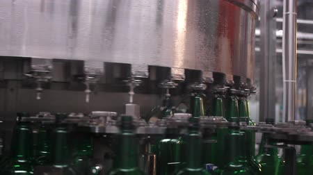 enchimento : Technological line for bottling of beer in brewery. Stage3