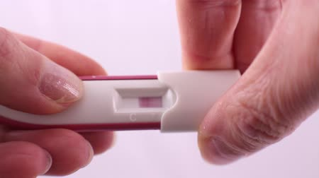 pozitivní : positive result of pregnancy test