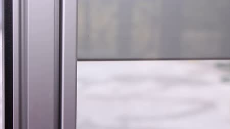 lasting : Sliding glass screen Stock Footage