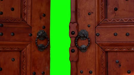 esély : Door opening with chroma key. Door for transition to new video