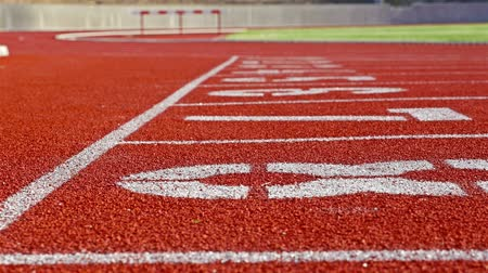 vonal : Running track with lanes on a stadium, dolly