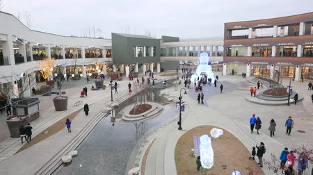 fashion outlet : Gimpo, Korea - January 1, 2016: Hyundai Premium Outlet Shopping mall  in Ara Canal. The mall opened in Feburary 2015 and is one of the most nearest outlet to Seoul. Stock Footage