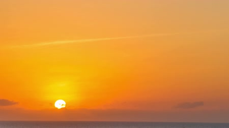kolombiya : Time lapse video of the sun setting over the Caribbean Sea shot in Cartagena, Colombia