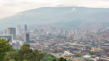 Колумбия : Time lapse video of the sun setting on downtown Medellin, Colombia
