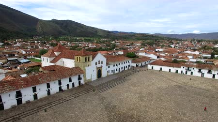 parke taşı : Aerial view of the Plaza Mayor in Villa de Leyva, Colombia