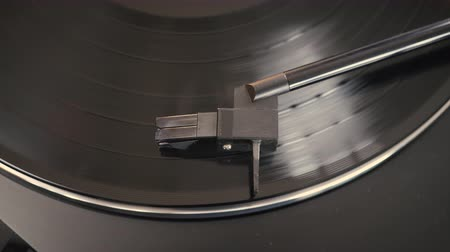 Close-up of needle on a record. Turntable vinyl record player Stockvideo