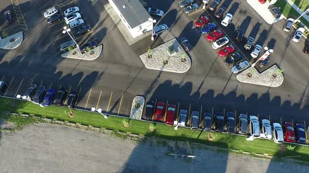 tava : Car Dealership Summer Pan Aerial Stok Video