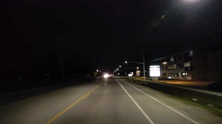 řídit : 4K Driving Down Highway At Night First Person Point Of View