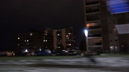 řídit : 4K Driving Past Apartments Quickly At Night 3