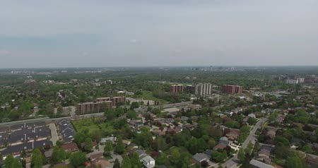 vozidla : Quick Panorama Left To Right Apartment Buildings and Condos Aerial