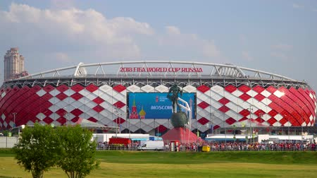 conversa : 23 June 2018. Russia. Moscow. View of the stadium Spartak after the match Belgium - Tunisia. Fans come out of the stadium and move to the metro Spartak Vídeos