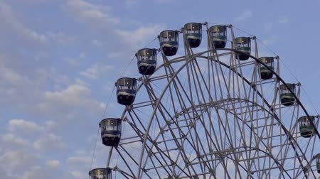 giant wheel : amusement parks giant ferris wheel ride close up, HD clip Stock Footage