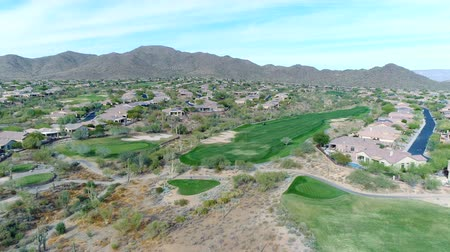 Aerial Northern Arizona Golf Course Pull Back Wideo