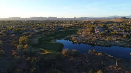 Aerial Arizona Golf Course Fairway with Golfers Wideo