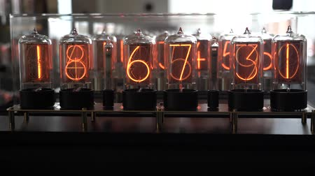 descarga : Nixie tube retro electronic clock numbers, cold cathode display