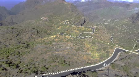 rachaduras : Tenerife mountains and windy road, aerial view