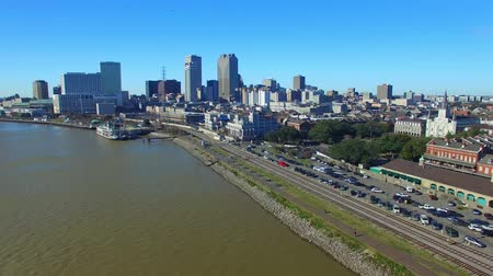 New Orleans homes and river, aerial city view Stok Video