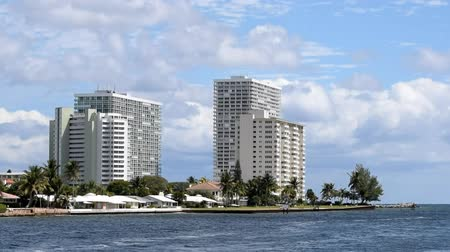 Canals and buildings of Fort Lauderdale, Florida