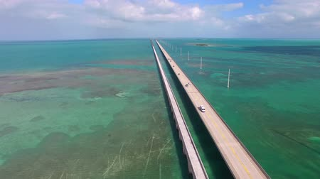 sete : Aerial view of the Florida Keys Islands Bridge, United States