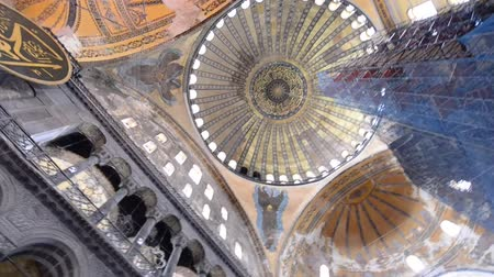isztambul : ISTANBUL - OCTOBER 2014: Hagia Sophia interior. Hagia Sophia is a major city attraction