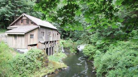 őrlés : Cedar Creek Grist Mill is a Historic Water Powered Grain Grinding Mill in Woodland Washington 1920x1080