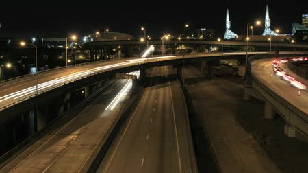 usa : Rush Hour Traffic on Interstate Highways Time Lapse in Downtown Portland Oregon with Long Exposure Light Trails 1920x1080 Dostupné videozáznamy
