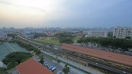 şafak : Timelapse of Singapore MRT Subway and Fast Moving Vehicles in Eunos Housing Estate at Sunrise 1080p