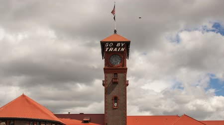 barışçı : Historic Union Train Station in Old Town Portland Oregon Clouds and Sky Timelapse 1920x1080