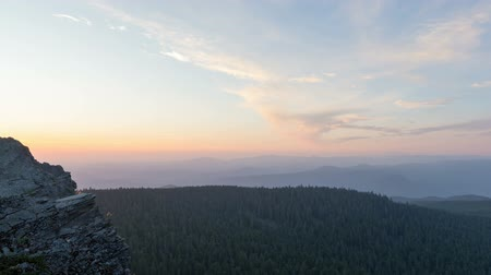 bílé mraky : Time Lapse Movie of Moving Clouds and Blue Sky at Sunset from Larch Mountain in Portland Oregon 1020x1080