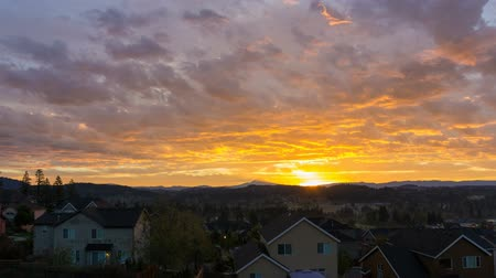 arrabaldes : Time Lapse Movie of Colorful Sunrise and Moving Clouds over City of Happy Valley with Residential Homes in Oregon 1920x1080