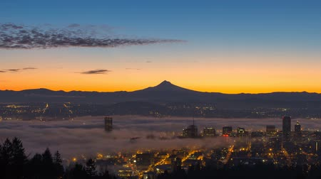 maska : Time Lapse Movie of Thick Dense Rolling Fog Over Downtown Cityscape of Portland Oregon with Traffic City Lights and Snow Covered Mount Hood One Early Morning at Sunrise 1920x1080