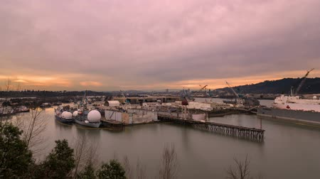 marynarka wojenna : Time Lapse Movie of Sunset at the Largest Drydock in North America in Swan Island Portland Oregon 1080p