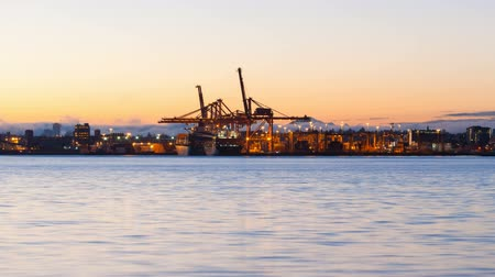 tesisler : Time Lapse Movie of Heavy Shipyard Machinery Moving Cargo Containers in Port of Vancouver BC Canada at Sunrise 1920x1080