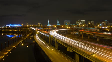 Time lapse movie of long exposure traffic light trails on freeways in downtown Portland Oregon at night  4096x2304 4k uhd Стоковые видеозаписи