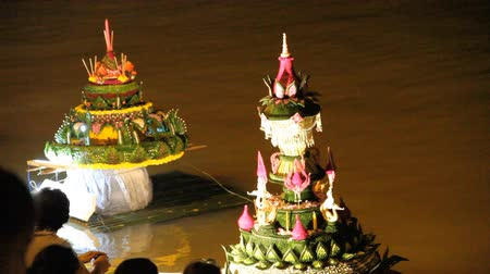 festivais : Grand Palace with the light boat During Loy kratong Festival of light, Ubonratchathani Province Thailand Vídeos