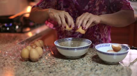 kahvaltı : Mother preparing food at kitchen