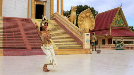 традиционный : Apsara Dancer beautiful supernatural female in asian mythology