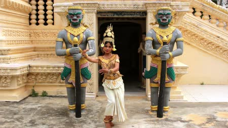 cambojano : Apsara Dancer beautiful supernatural female in asian mythology