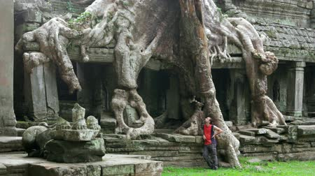 southeast : Backpacker travels exotic preah khan temple, angkor, cambodia