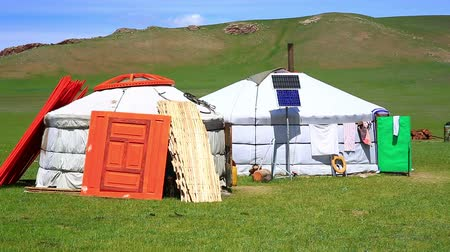 gép : Mongolian ger camps with solar power and TV satellite, Central Mongolia