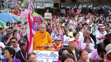protesto : BANGKOK, THAILAND - FEBRUARY 2014: Bangkok shutdown protests Vídeos