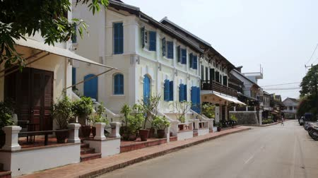 prabang : view of easy going relax Luang Prabang streets, Laos Stock Footage