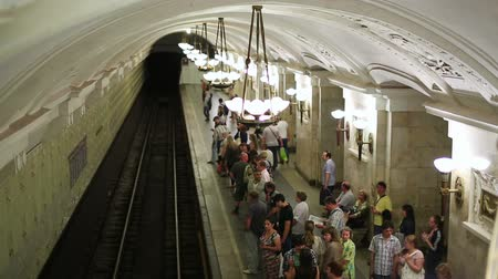 subway : MOSCOW, RUSSIA - JUNE 2013: Daily life Moscow metro passengers Stock Footage