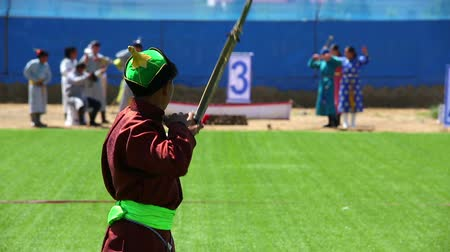 okçuluk : ULAANBAATAR, MONGOLIA - JULY 2013: Naadam Festival Archery Tournament