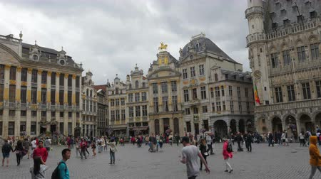 belga : BRUSSELS - BELGIUM, AUGUST 2015: Grand place, old city, timelapse