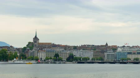eau : GENEVA - SWITZERLAND, AUGUST 2015: city and lake view