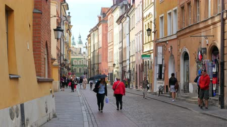 warszawa : WARSAW - POLAND, AUGUST 2015: old town square view